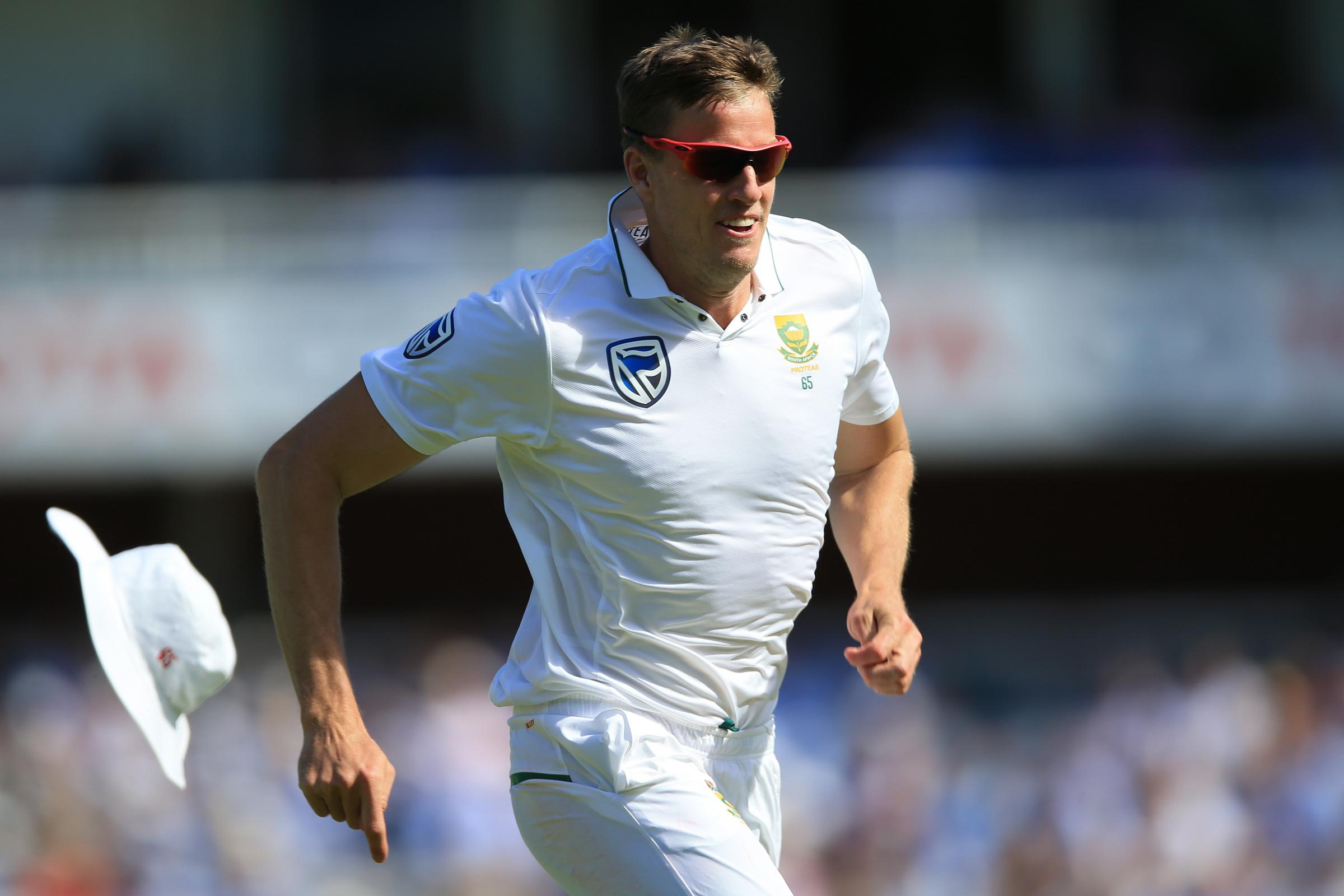 Morne Morkel produced a deadly spell of bowling for champions-elect Surrey