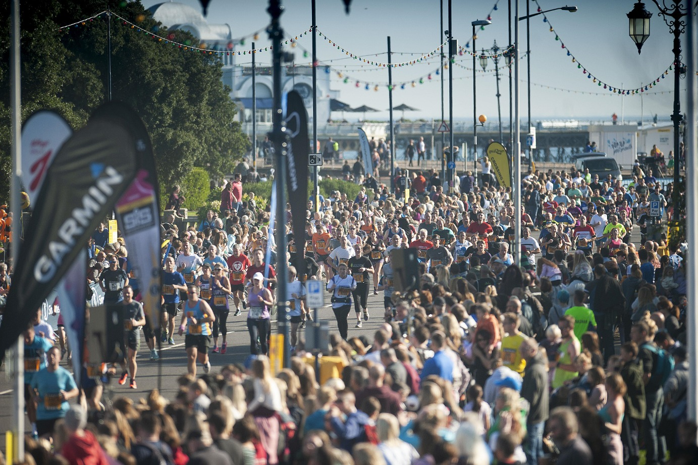 Isle of Wight runners join thousands in Portsmouth for Great South Run.