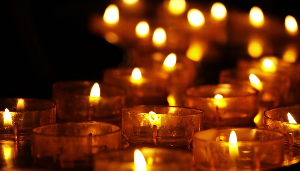 Celebrate the lives of loved ones at Mountbatten's Light up a Life services.